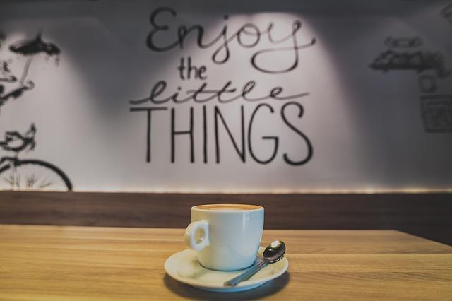 cafe-2618801_640